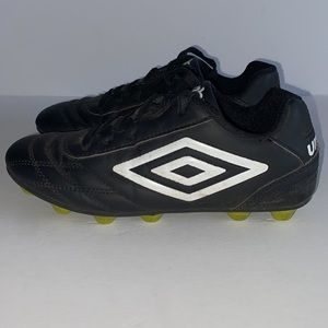 Boys Youth UMBRO Soccer Cleats Size